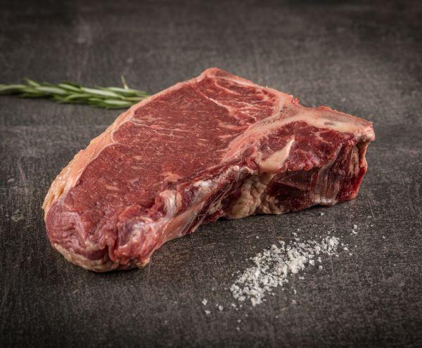 Deutsche Simmentaler Färse Dry Aged T-Bone Steak